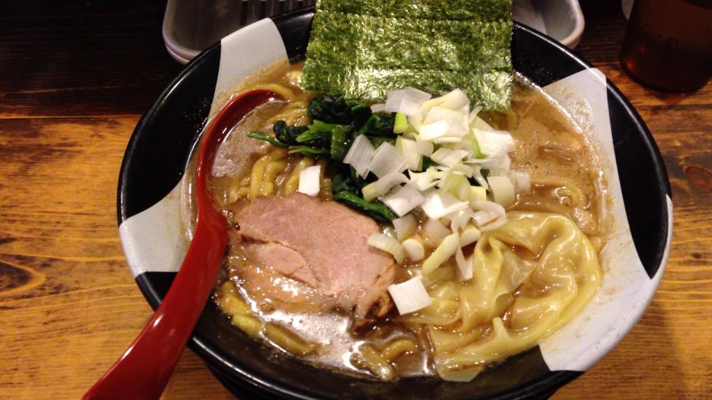 煮干しラーメン820円中盛 あとからライスも!