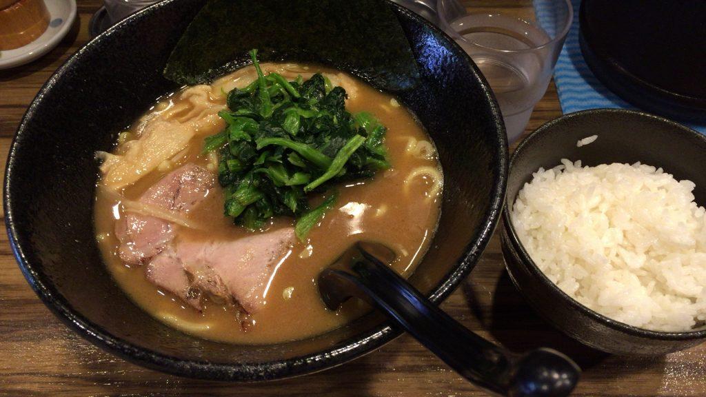 大和田ラーメン(醤油)+ライス(国内産 ひとめぼれ)